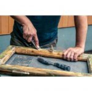 Sverniciare un mobile in legno