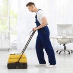 Trattamento delle superfici: utensili utili per una pulizia perfetta